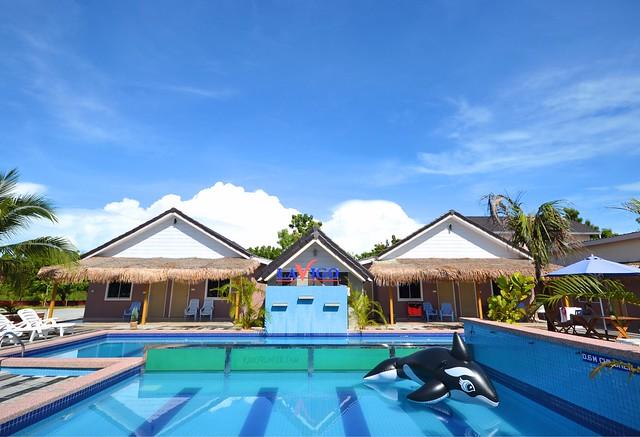 Lavigo Resort swimming pool