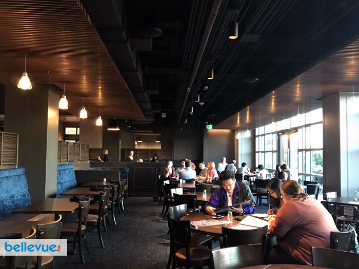 Henry S Tavern Bellevue Bellevue Restaurants Amp Happy