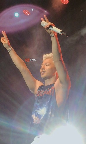 Taeyang WHITE NIGHT in San Jose 2017-09-10 (3)
