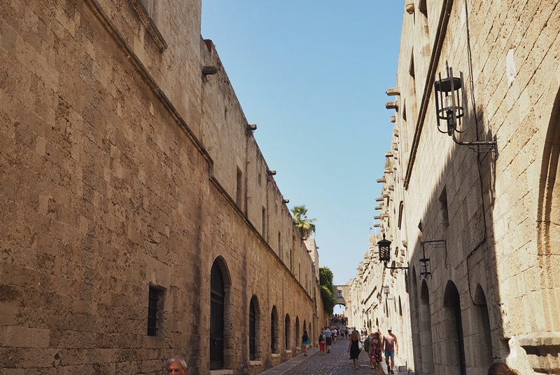 oldtown-street-rhodes