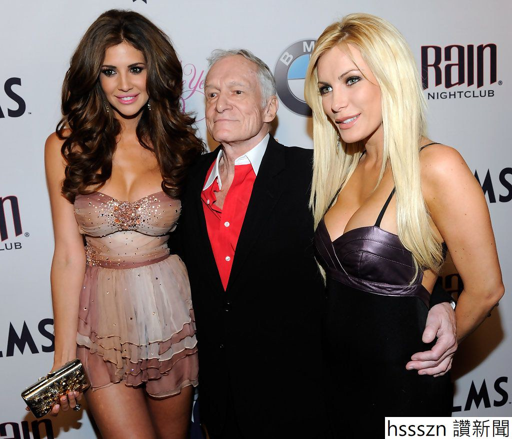Hugh+Hefner+Introduces+2010+Playboy+Playmate+9JQvqE2M2FZx_1024_878