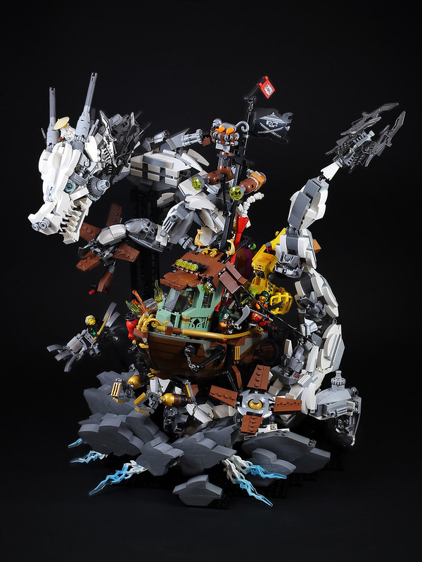 LEGO Ninjago White Dragon attack Sky Pirate