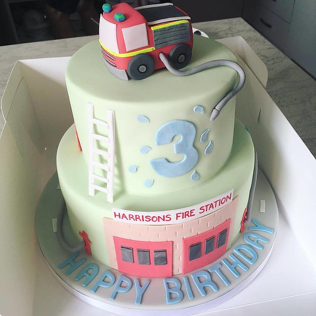 Fire Engine Themed Cake by Vanilla Cloud