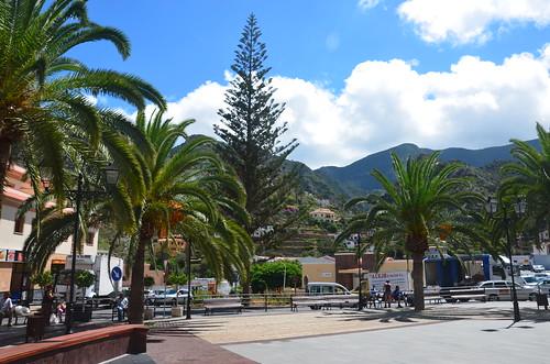 Der Platz in der Stadtmitte von Vallehermoso