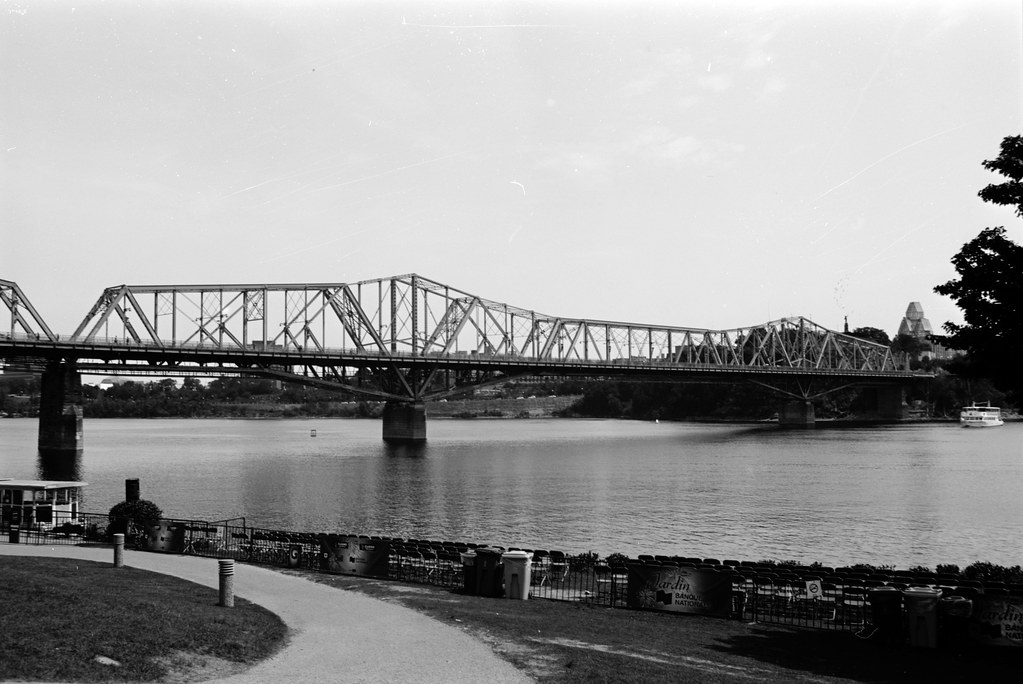 Alexandra Bridge