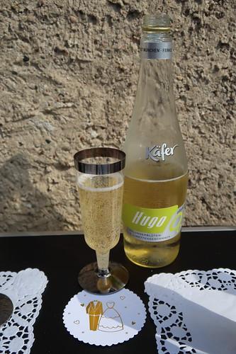 Alkoholfreier Hupo (zur Begrüßung im Garten des Goldhochzeitspaares)