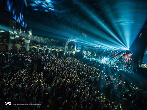 Taeyang WHITE NIGHT in Chicago 2017-09-03 (2)