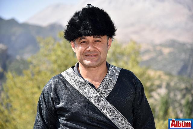 Alanya Belediye Başkanı Adem Murat Yücel Karaköy şenliklerinde Selçuklu kaftanı giydi