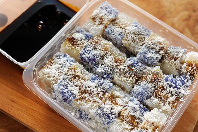 abok abok sagu (sago kueh with gula melaka syrup)