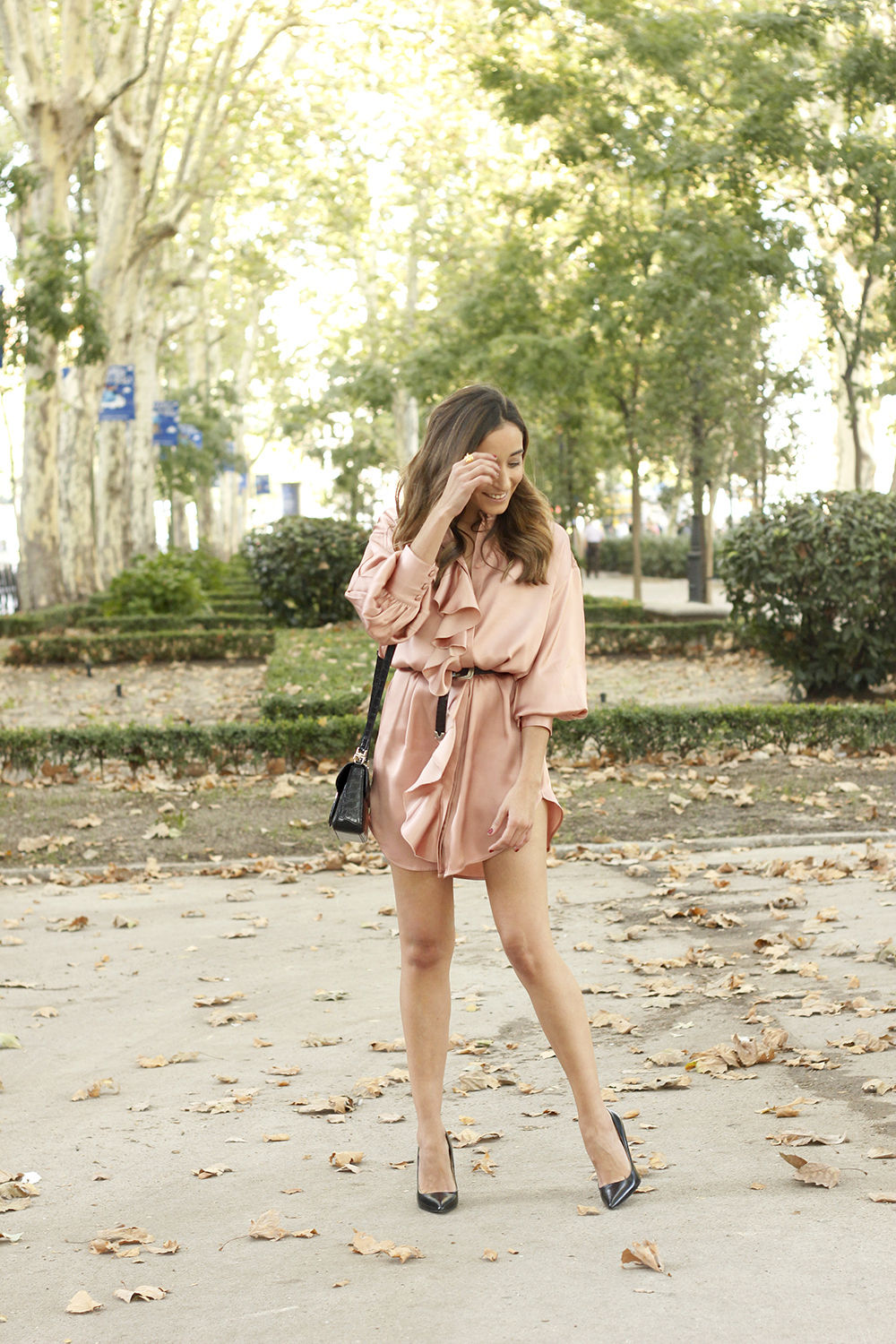 Pink Pale satin dress givenchy bag black heels outfit autumn style fashion01