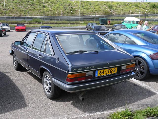 Audi 100 CD Avant 1981, Panasonic DMC-GF5, LUMIX G VARIO 14-42mm F3.5-5.6