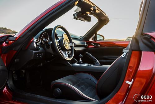 Mazda MX5 RF vs SUBARU BRZ - 8000vueltas-44