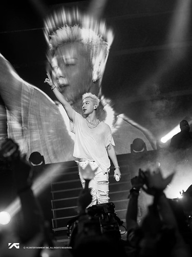 Taeyang WHITE NIGHT in Los Angeles 2017-09-12 by YG (12)