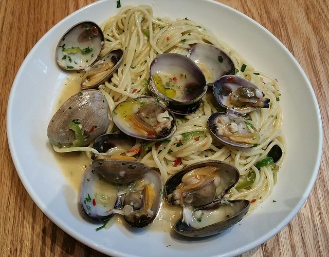 2017-Aug-14 Nightingale - spaghetti with manila clams