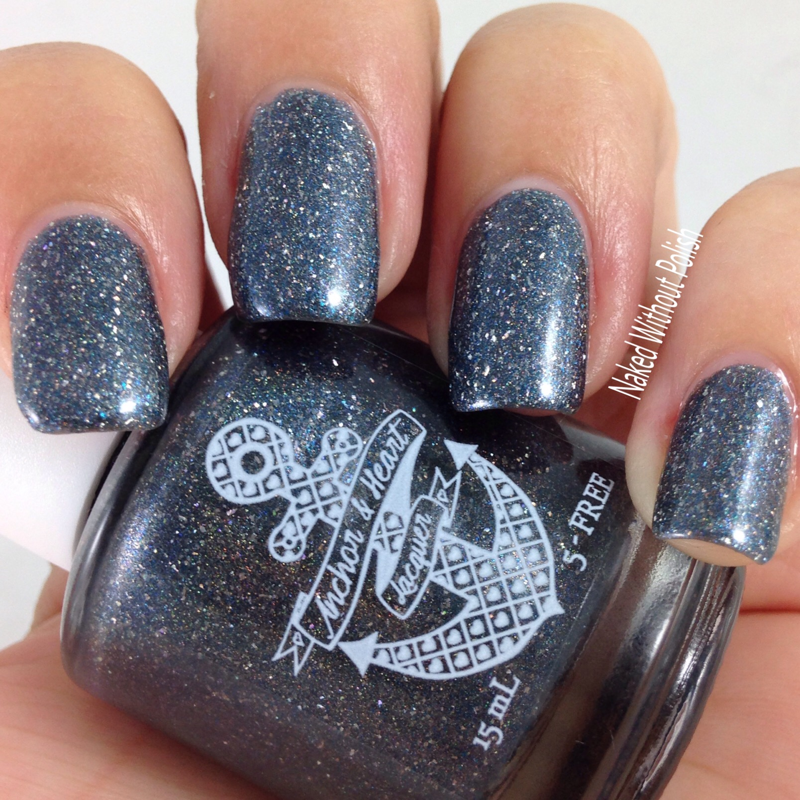 Anchor-and-Heart-Lacquer-Stronger-Than-Yesterday-6