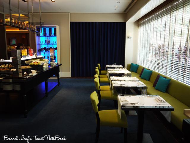 ambassador-hotel-aqua-lounge-buffet (2)
