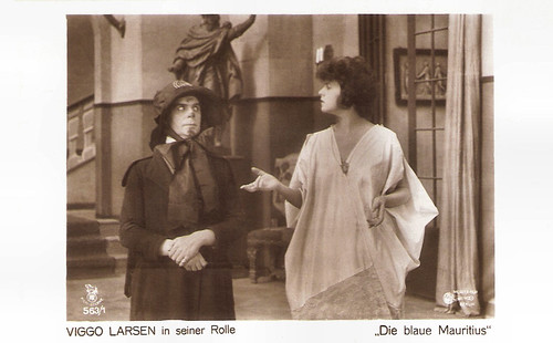 Viggo Larsen and Ria Jende in Die Blaue Mauritius (1918)