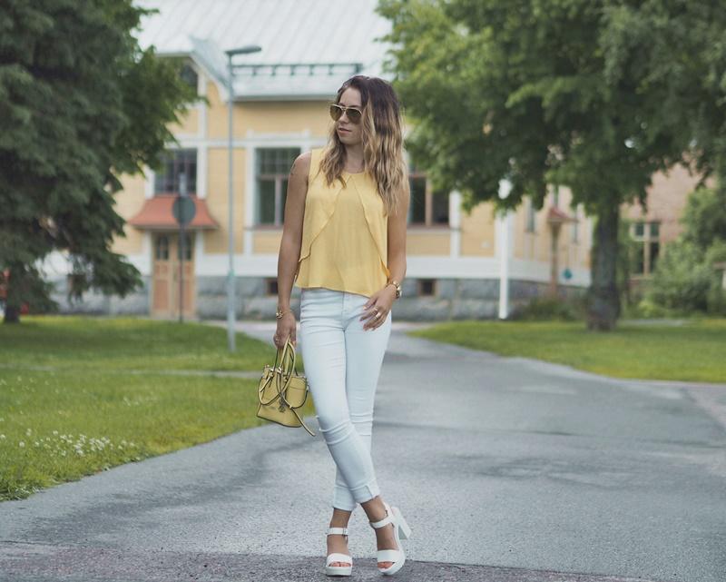 yellow-white-outfit-valko-keltainen-asukokonaisuus