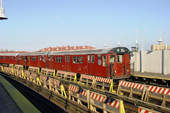 NYC Subway - Bronx Redbirds - East Tremont Ave/West Farms Sq. Station, White Plains Rd. Line - R-33 9147