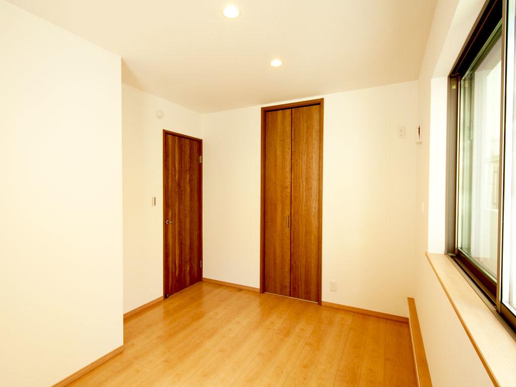 1階玄関側の居室