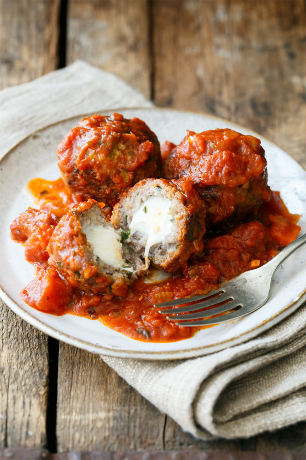 mozzarella-stuffed-meatballs4-600x900