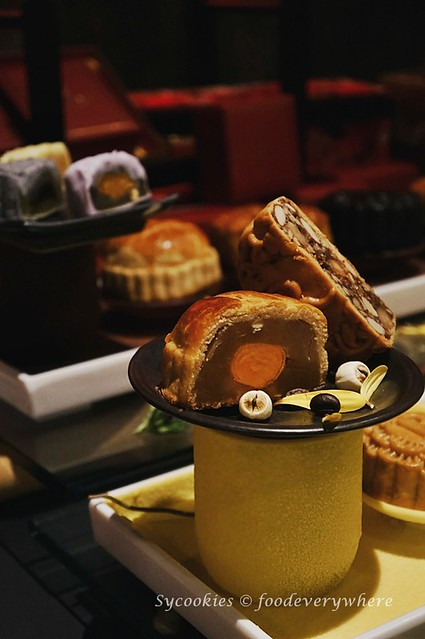12.Celebrating Malaysia with mooncake and duck at the Renaissance KL