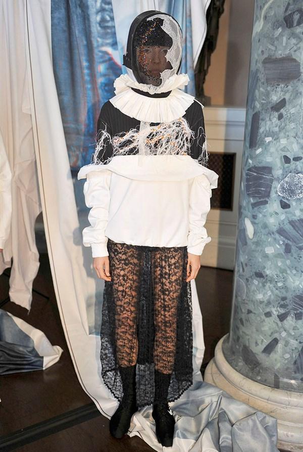 HAIZHENWANG - London Fashion Week September 2017