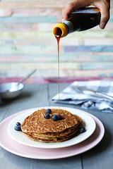 Vegan-banana-peanut-butter-pancakes-syrup