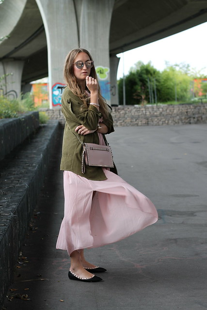 long-dress-and-parka-whole-outfit-side-wiebkembg