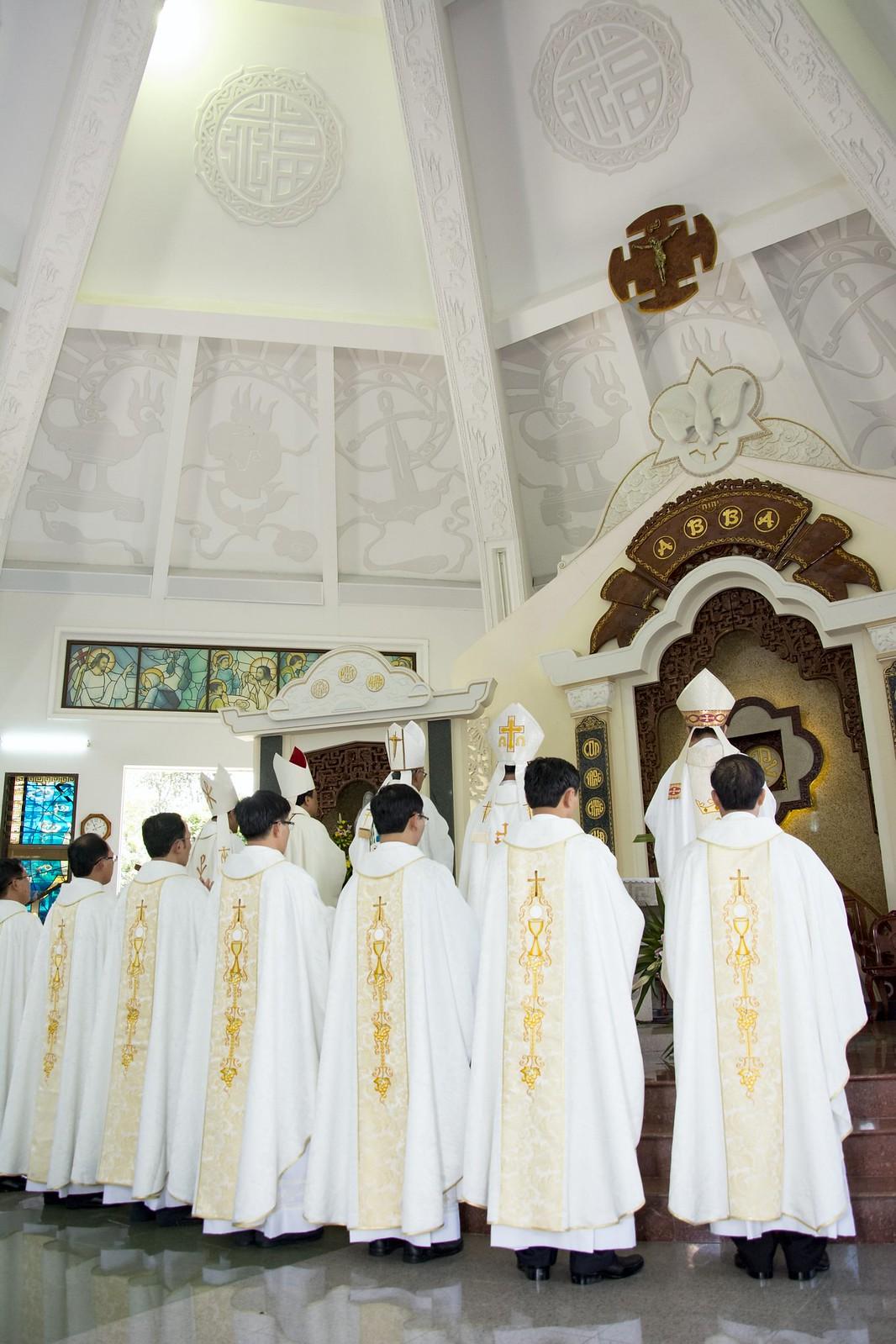 Đan Viện Thánh Mẫu Phước Sơn : Thánh Lễ Truyền Chức Linh Mục - Ảnh minh hoạ 21