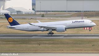 AIRBUS A350-900XWB LUFTHANSA F-WZNI MSN136 (D-AIXE) A L'AEROPORT TOULOUSE-BLAGNAC LE  25 08 17.