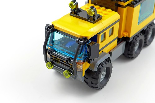 LEGO City Jungle 60160 Jungle Mobile Lab 43
