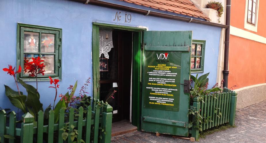 Fietsen in Praag. Bezienswaardigheden Praag: het Gouden Straatje | Mooistestedentrips.nl