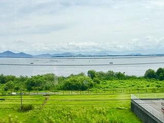 湖西線から琵琶湖をのぞむ