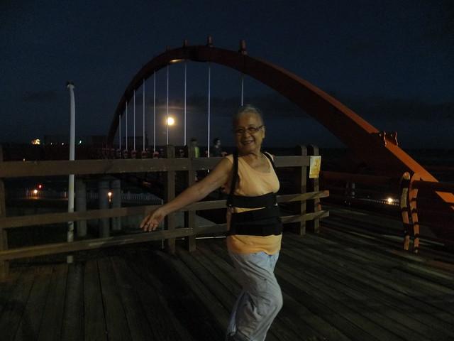 橋上觀月 (1)