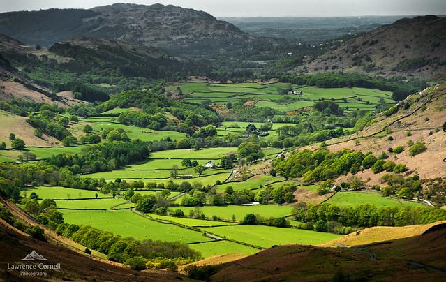 The green valley, Nikon D700, Sigma 28-300mm F3.5-6.3 DG Macro