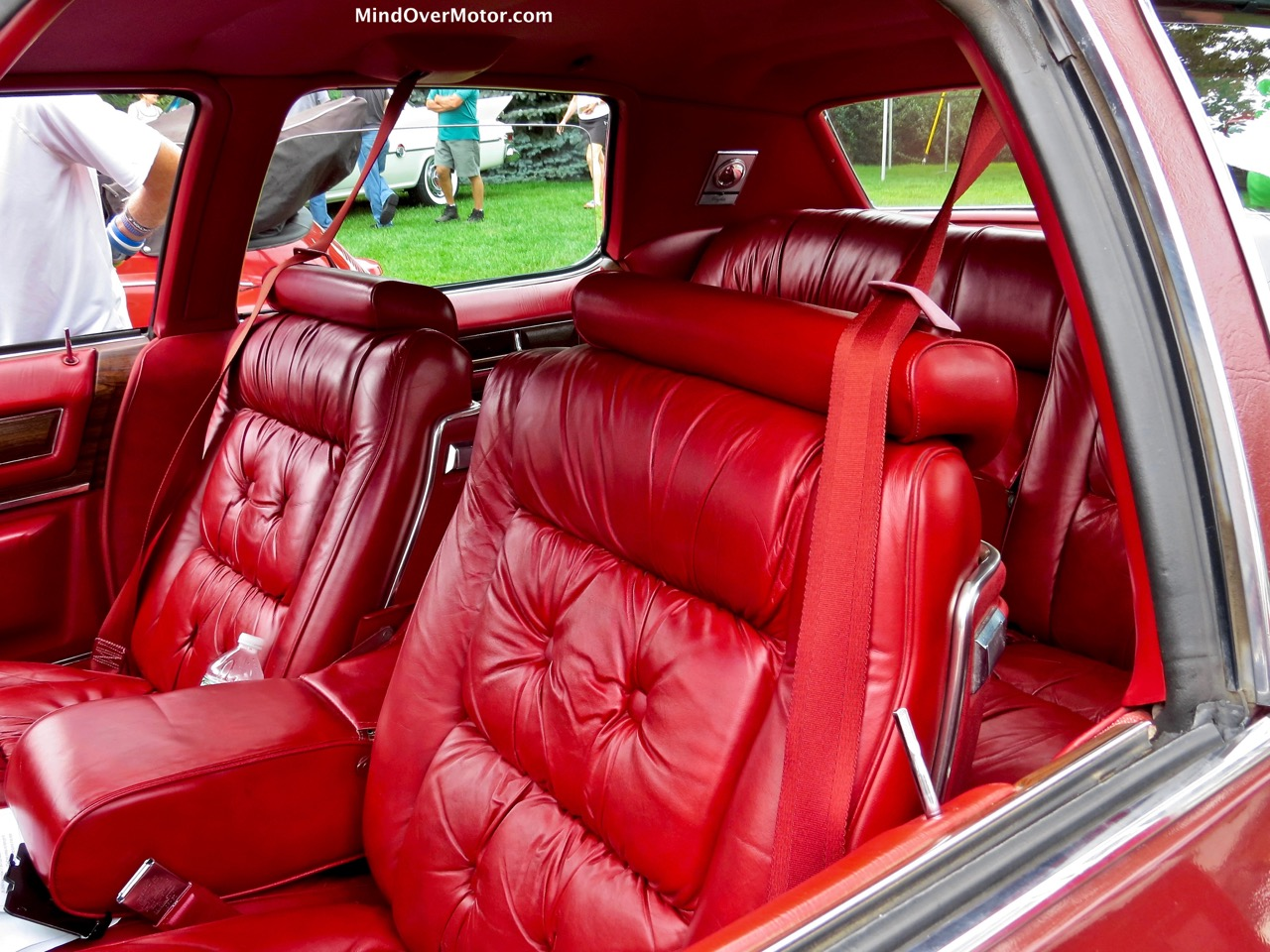 1976 Cadillac Fleetwood Seats