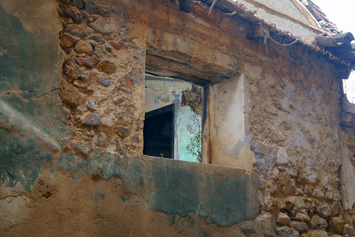 A window to the abandonment...