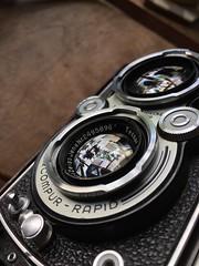 Rolleiflex uncoated Tessar f3.5/7.5cm lens bloom