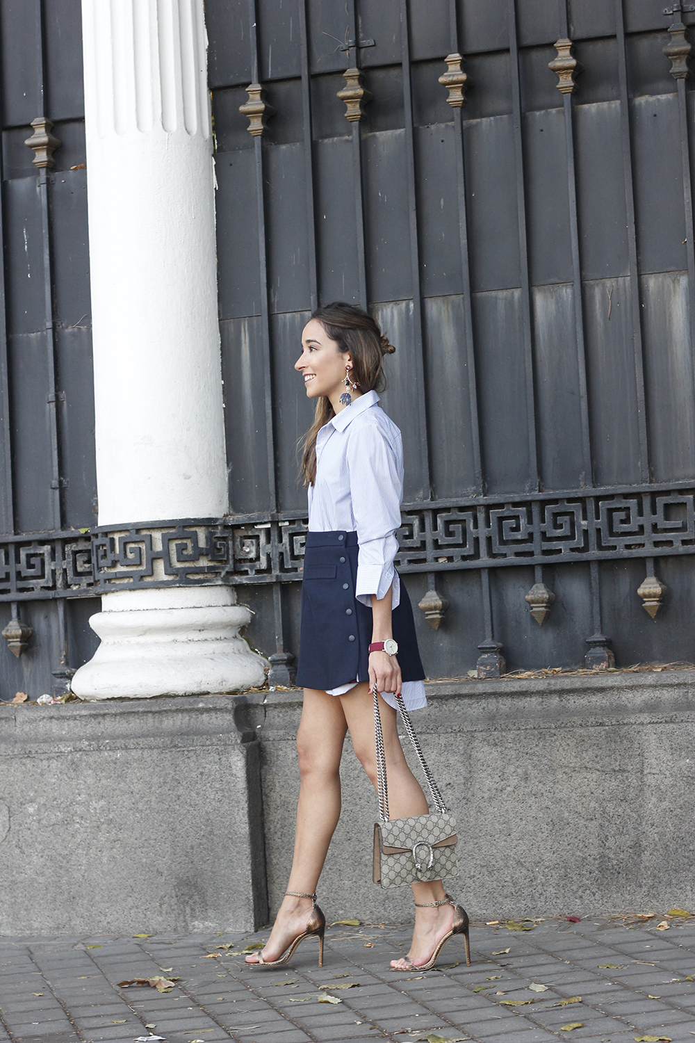striped shirt blue navy skirt gucci bag heels outfit fashion style02