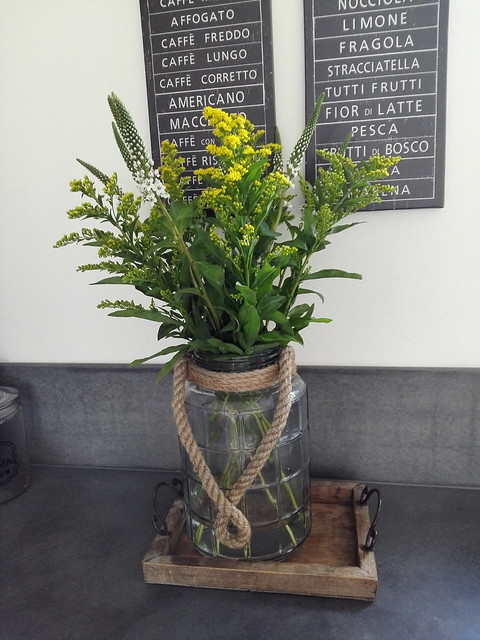 Vaas met bloemen keuken