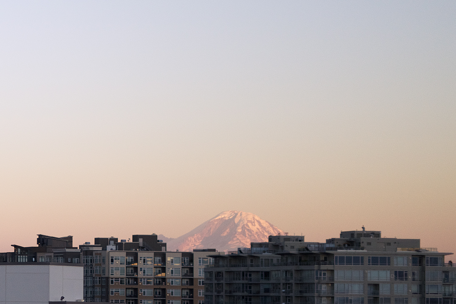 09seattle-pacificnorthwest-mtrainier-sunset-travel