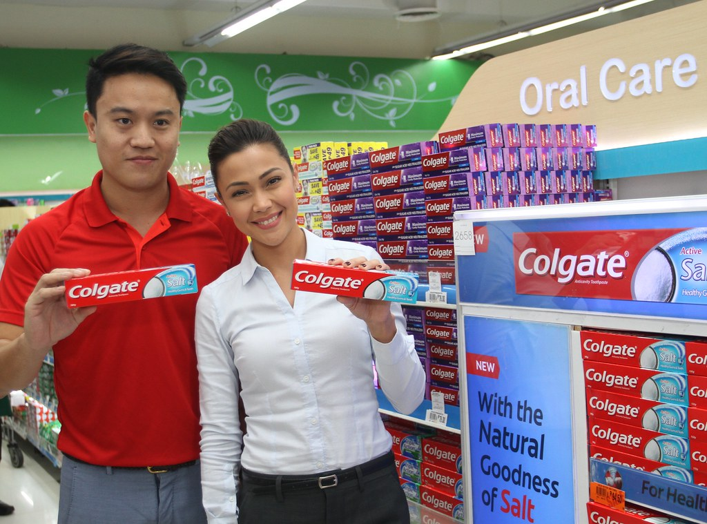 Danai Sirisuvun, Senior Product Manager of Colgate-Palmolive Philippines with Colgate Active Salt Brand Ambassador Jodi Sta Maria