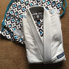 A guaranteed way to improve training by at least 10% - a new gi! Thanks to @valor_fightwear for the stylish gi and great customer service! #bjj #tenpercentbetter #training #gi #review #comingsoon #competitor #bluebelt #bjjgirls