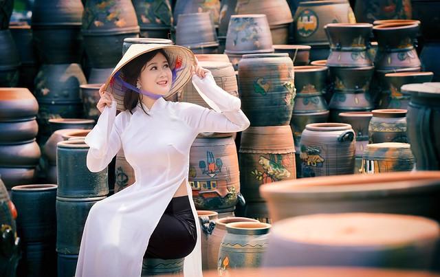 ao dai non la lam gom - linh van dinh (3)