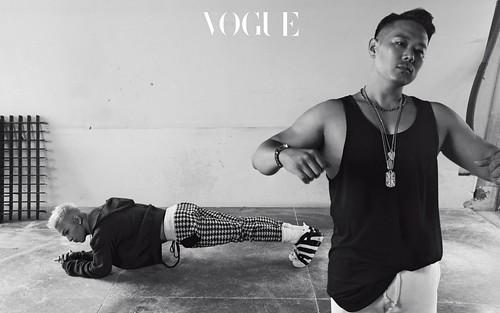 Taeyang Vogue Korea Sept 2017 Special Solar System (3)
