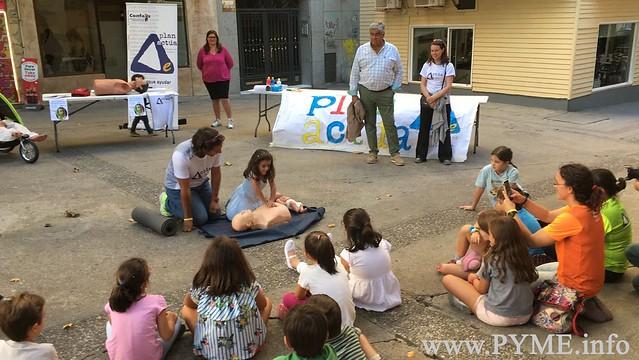 Padres e hijos aprenden primeros auxilios gracias al Plan Actúa de Emergencias Urbanas