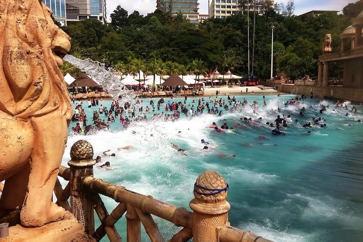 1200px-sunway-lagoon-theme-park