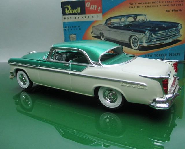 1955 Chrysler New Yorker St. Regis 2 Door hardtop a 1/32 scale model by Revell / AMT