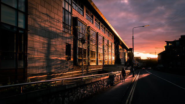 Sunset on bridge street - Dublin, Ireland - Color street photography